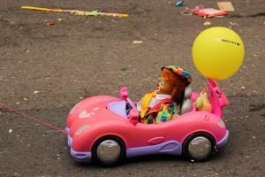 toy-car-279775_960_720