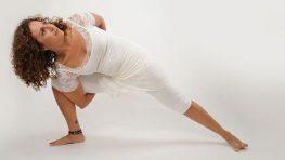 יוגה ומיניות – סדנת יוגה נשית עם תמי אריאל